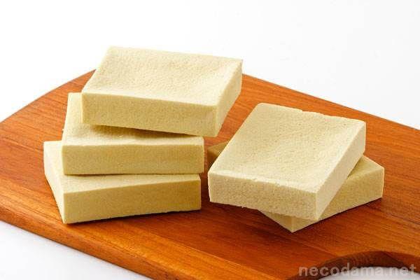 高野豆腐は糖質制限の味方。栄養豊富で女性に嬉しい美容効果大。レンジで簡単調理