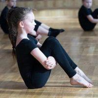 ラジオ体操は代謝アップ・肩こり解消に効果的な全身運動!