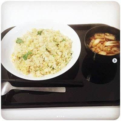昼 : 水菜とハムの炒飯