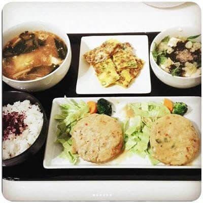 豆腐バーグテリマヨソース 納豆とネギの卵焼き エノキと豆腐の酸辣湯 もずく温豆腐