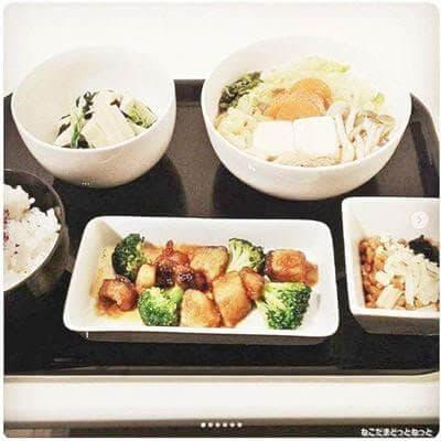 黒酢ぶりの餡掛け 白菜とツナのくったり煮 水菜と高野豆腐のおひたし エノキ納豆