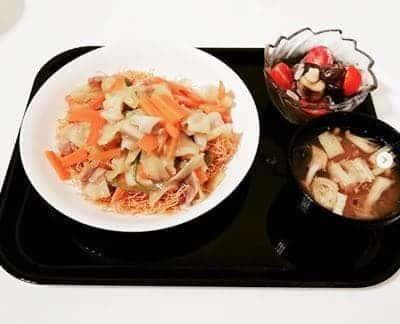 皿うどん 納豆おみそ汁 豚と茄子の冷たい胡麻ポン酢
