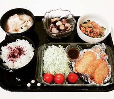 アジフライとキャベ千 豚と茄子の冷たい胡麻ポン酢 ゴーヤと人参のカニカマ和え 豆腐のお吸い物