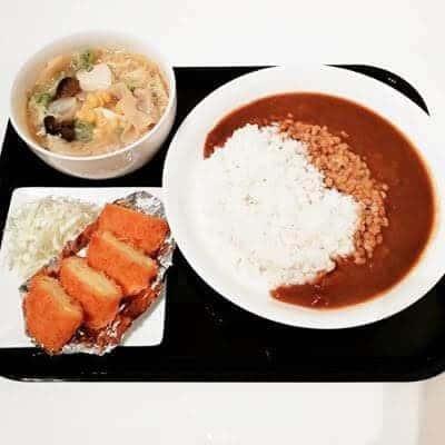 納豆 on カレー コーンコロッケ ギョーザと白菜の中華煮