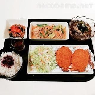 ポテトコロッケ 味噌野菜炒め スタミナ納豆 ワカメと心太のポン酢サラダ
