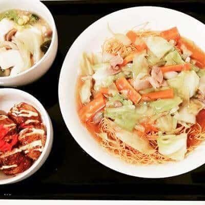 皿うどん 夫作のたこ焼き レタスと豆腐の中華スープ