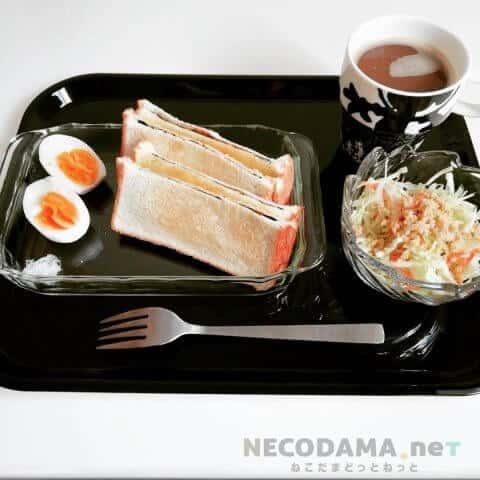 海苔トースト・卵・サラダ