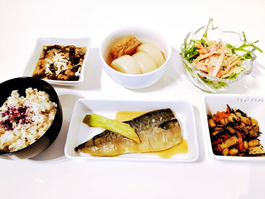 和定食と盆猫*さばの味噌煮とひじき大豆の含め煮とか。
