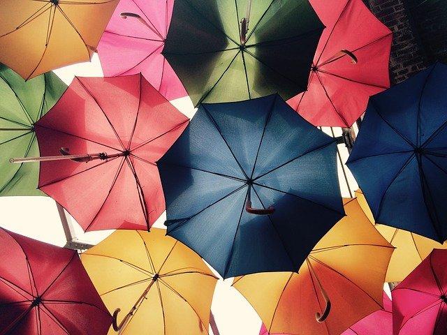 意識高い系日傘の色は少々恥ずかしい。