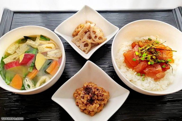 ヨシケイ定番(夕食ネットで作る晩ごはん) :マグロの漬け丼&おさつ汁・蓮根の塩きんぴら