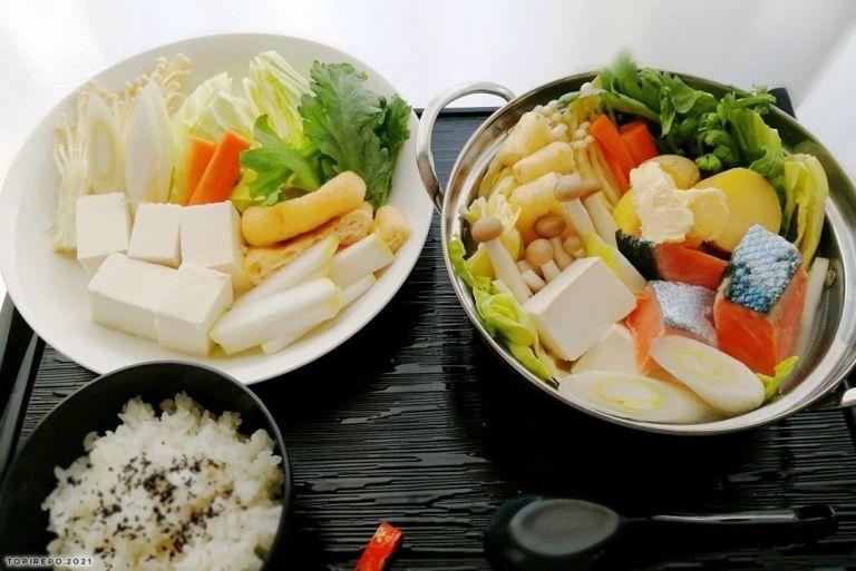 石狩鍋風:鮭&じゃがいもの味噌バター鍋