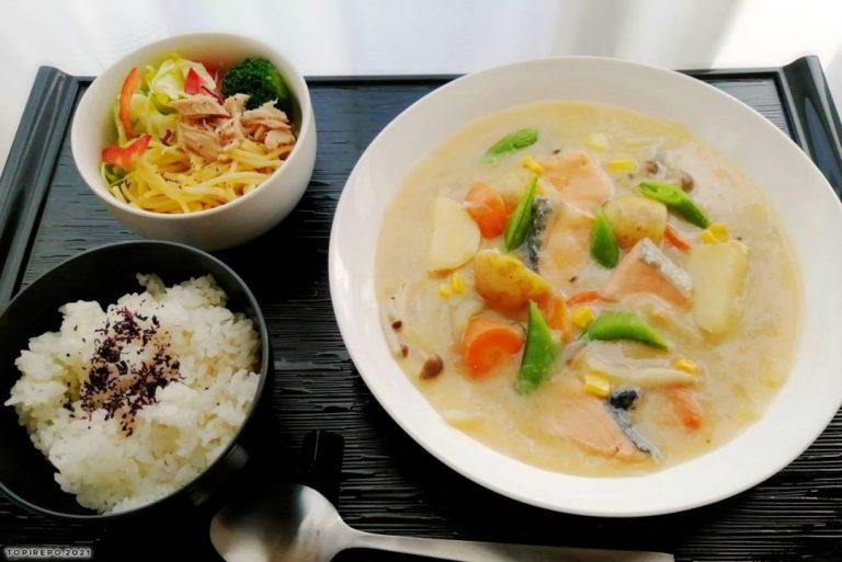 鮭とポテトのクリームシチュー&ツナスパサラダ