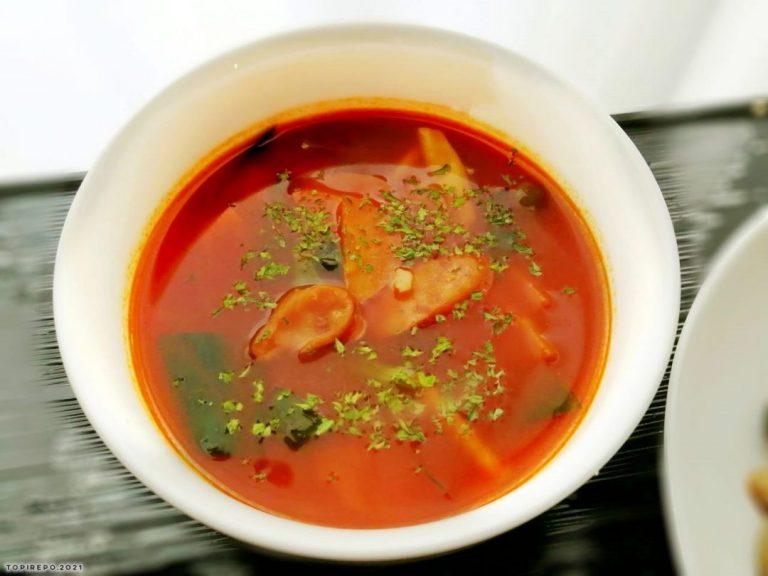 ウインナーとほうれん草のスープ