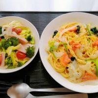 スモークサーモンの豆乳パスタ&ハム野菜マリネ